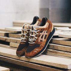 Carhartt x Asics Gel Lyte III - sneaks - Schuhe Asics Shoes, Men's Shoes, Shoe Boots, Shoes Sneakers, Sneakers Mode, Best Sneakers, Mens Fashion Shoes, Sneakers Fashion, Asics Gel Lyte Iii