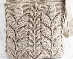 Ravelry: Spica Embossed Bag pattern by Natalia Kononova Crochet Stitches, Crochet Hooks, Crochet Patterns, Back Post Double Crochet, Crochet Leaves, Crochet Bracelet, Yarn Colors, Slip Stitch, Boho