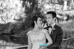 Rachel & Russell came from Singapore to have pre wedding photos done at St Lucia Queensland University