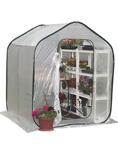 Selecting a proper backyard greenhouse kit for you can be a difficult procedure. Check our guide on how to purchase the best backyard greenhouse kit. Walk In Greenhouse, Best Greenhouse, Portable Greenhouse, Backyard Greenhouse, Greenhouse Ideas, Hydroponic Gardening, Hydroponics, Indoor Gardening, Indoor Plants