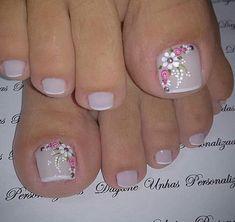 Tina's Nails Nail Manicure Coffin Nails Acrylic Nails Hair And Nails Nail Polish Crafts Nail Polish Art Toe Nail Art Spring Nails Pretty Toe Nails, Cute Toe Nails, Toe Nail Color, Toe Nail Art, Nagellack Design, Summer Toe Nails, Pedicure Nail Art, Pedicure Ideas, Feet Nails