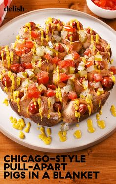 Chicago Style Pull-Apart Pigs In A Blanket Beat Hot DogsDelish Best Appetizers, Appetizer Recipes, Pull Apart Bread, Pigs In A Blanket, Chicago Style, Appetisers, Clean Eating Snacks, Finger Foods, Cooking Recipes