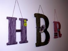 Tutorial for those great yarn wrapped letters. Yarn Wrapped Letters, Yarn Letters, Decoupage Art, Arts And Crafts, Diy Crafts, Rustic Centerpieces, Art Birthday, Photo Canvas, Baby Decor
