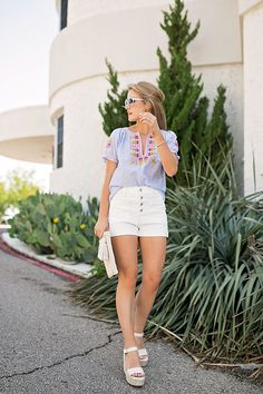 Today I'm sharing why this colorful embroidered top is a must-have for summer. I've been wearing it non-stop ever since I bought it! Short Outfits, Summer Outfits, Southern Belle Style, Beautiful Girl Image, Beautiful Women, Summer Tops, High Waisted Shorts, Warm Weather, Style Inspiration