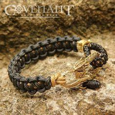 """219 Me gusta, 5 comentarios - Cord Beads - Silver - Leather (@covenant.gears) en Instagram: """"Simple Gold Dragon Shackle bracelet with tactical cord  #covenant #covenantgears #custombracelet…"""""""