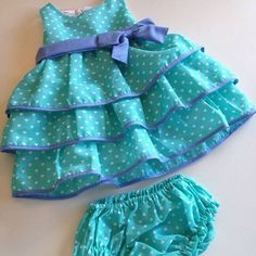 Ткани и шерсть для игрушек,кукол Тильд и др. … Tecidos e lã para brinquedos, bonecas Tild, etc. Baby Girl Frocks, Frocks For Girls, Kids Party Wear Dresses, Little Girl Dresses, Cute Little Baby Girl, Kids Frocks Design, Baby Dress Patterns, Cute Baby Clothes, Kids Outfits