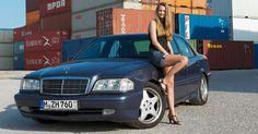 Best of Playboy: Mercedes C43 AMG: Dieser Benz lässt Porsche-Fahrer auf der Autobahn stehen - Best of Playboy