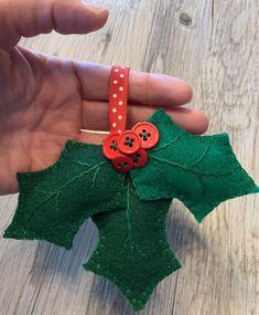 Sewn Christmas Ornaments, Felt Ornaments Patterns, Felt Christmas Decorations, Christmas Sewing, Felt Christmas Trees, Christmas Felt Crafts, Felt Patterns, Handmade Ornaments, Blue Christmas