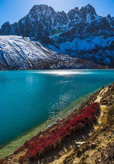 Walk up to Gokyo Ri | Nepal
