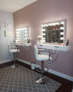 Breathtaking 30+ Amazing DIY Makeup Vanity Design Ideas That Can Inspire You https://freshouz.com/30-amazing-diy-makeup-vanity-design-ideas-can-inspire/ #home #decor #Farmhouse #Rustic