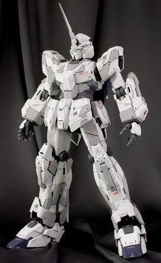 PG 1/60 RX-0 Unicorn Gundam - Painted Build PG 1/60 RX-0 Unicorn Gundam (Release Date: Dec 11th 2014, Price: 21600 Yen) GG INFINITE: ORD...