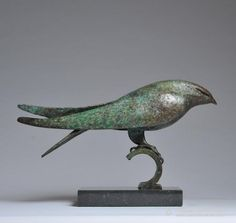 Hamish Mackie: Bird Form, Bronze; leg and foot structure especially interesting