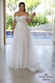 Plus size wedding gowns 2018 Kerrie (4)