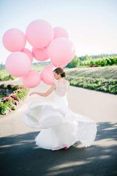 Bridal Portraits with Pink Balloons Pink Balloons, Wedding Balloons, Latex Balloons, Blush Rosa, Wedding Photos, Wedding Day, Wedding Rehearsal, Pink Flower Girl Dresses, Wedding Photography Styles