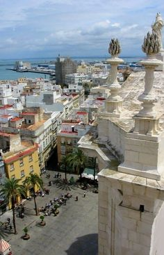 Karen's spotlight today is the port city of Cadiz in Spain. Cadiz is the oldest surviving city in Spain and possibly in all southwestern Europe. Places Around The World, Oh The Places You'll Go, Travel Around The World, Places To Travel, Places To Visit, Around The Worlds, Malaga, Cadiz Spain, Spain And Portugal