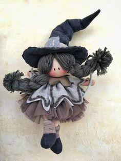 Scandinavian Kitchen Witch Doll – Awesome Homes Halloween Doll, Cute Halloween, Holidays Halloween, Halloween Crafts, Halloween Decorations, Adornos Halloween, Homemade Dolls, Witch Decor, Christmas Gnome