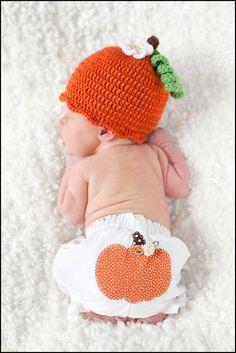 Pumpkin Hat and Bloomer Set Newborn Baby Photo Prop, Baby Halloween costume, Autumn Baby