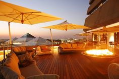 When the temperature rises, things can get a little hot and humid in the city. To help escape the labyrinth, we rounded up the best rooftop bars in Joburg, Pretoria, Cape Town and Durban. Dear World, Best Rooftop Bars, Cantilever Umbrella, Hot And Humid, Smoking Room, Hotel Offers, South Africa, Beautiful Places, Like4like