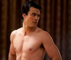 "Em ""The Vampire Diaries"", Ian Somerhalder arranca suspiros da galera na pele do vampiro Damon"
