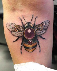 The Best Bee Tattoos - Tattoo Insider - Bee Tattoo by Arielle Gagnon - Tattoos Motive, Body Art Tattoos, Hand Tattoos, Tatoos, Badass Tattoos, Love Tattoos, Beautiful Tattoos, Honey Bee Tattoo, Bumble Bee Tattoo