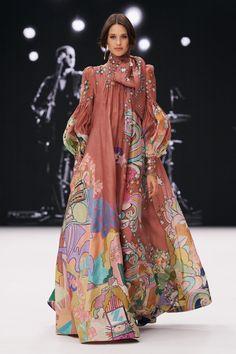 Fashion Face, Fashion Week, New York Fashion, Fashion Beauty, Fashion Show, Fashion Design, Womens Fashion, Runway Magazine, New Yorker Mode