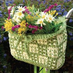 Download the Free Pattern for a Knit Bike Basket from Knitting Today! Magazine