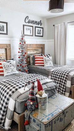 Christmas Bedroom, Farmhouse Christmas Decor, Christmas Home, Rustic Christmas, Christmas Gifts, Xmas, Childrens Christmas, Christmas Ornaments, Farmhouse Homes