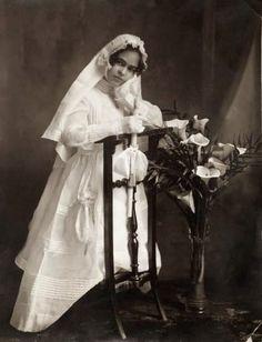 Young Frida Kahlo