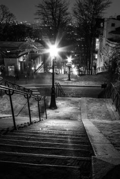 MAUD WEBER  Une lumière dans la nuit #3  24 x 36 Photographie 280€ Les Oeuvres, Photos, Night, Contemporary, Board, Artist, Photography, Home, Pictures