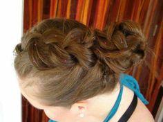 Együtt ünnepeltük a Hajfonás Világnapját!   Hair-Line Kft. fodrászcikk kis- és nagykereskedés www.facebook.com/hairline