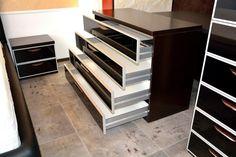 Mobila de Dormitor cu Rame din Aluminiu si Sticla Vopsita Neagra Comoda cu Patru Sertare Blum Stairs, Design, Home Decor, Stairway, Decoration Home, Room Decor, Staircases, Home Interior Design