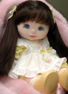 "My Child Doll --- ""Julia"" - Ultra Long Brunette, Blue Eyes - wearing Aussie Yellow Pinny outfit with yellow maryjanes. Doll Toys, Baby Dolls, Play Doll, Dolls Dolls, Dolls From The 80s, Punky Brewster, My Child Doll, 1980s Kids, Tacker"