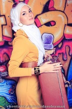 #Hijab LOVE the colours, the style, and the earrings! <3