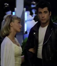 Olivia Newton-John and John Travolta in 'Grease', Grease 1978, Grease Movie, Grease 2, Grease Sandy, Musical Grease, Famous Movies, Iconic Movies, Old Movies, Entertainment