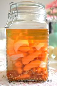 Loving My Domestic Life: Spicy Pickled Carrots