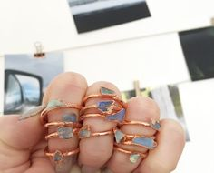 Opal Kristall Ring  Feueropal Ring  grobe von TUMBLEANDROSE auf Etsy