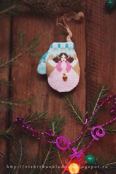 "The Cricket Collection ""Christmas mittens"" или Зимняя сказка начинается!!! Cricket Collection Mittens, Cross Stitch, Embroidery, Christmas Ornaments, Holiday Decor, Punto De Cruz, Needlepoint, Seed Stitch, Christmas Jewelry"