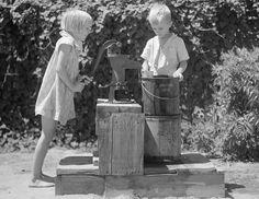 Fetching water in Wichita Falls in 1936