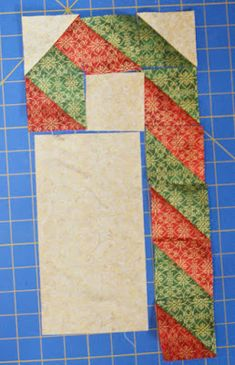 We're celebrating the season with 12 days of holiday-themed block tutorials using Ro Gregg's gorgeous and glittering Silent Night collect. Christmas Tree Quilt Block Patterns, Tree Quilt Pattern, Christmas Quilting Projects, Barn Quilt Patterns, Patchwork Quilt Patterns, Pattern Blocks, Quilting Patterns, Christmas Mug Rugs, Quilted Christmas Ornaments