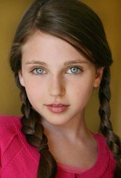 ジェイド・ウェーバー (Jade Weber) 〰 ♤ º ⏖ º ♤ 〰 One of girls from king of the mountain Beautiful Little Girls, Beautiful Children, Beautiful People, Pretty Eyes, Cool Eyes, Stunning Eyes, Gray Eyes, Cute Faces, Child Models
