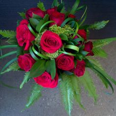 #bouquet #roses#red #love #creation #creative #fashion #instalike #instagood #interior #flower #florale #green #fleuriste #follow #florist #amour #style #different #modern #contemporary