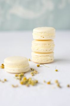 Ever wanted to make French macarons but were daunted? This amazing blogger demonstrates a foolproof method which she devised for the launch of the new Laura Ashley French website *** Floral French Macarons - Wallflower Girl ***