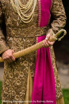 Indian groom with his wedding sword http://www.maharaniweddings.com/gallery/photo/133371