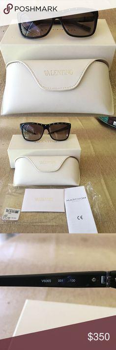 NWT Valentino Rockstud sunglasses in black. Valentino Rockstud sunglasses in black. New with tags (never worn) item comes with white soft case, original Valentino box and care booklet. Valentino Accessories Sunglasses
