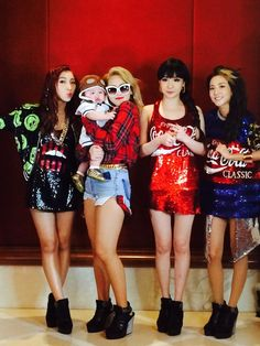 2NE1 grants a brief meet and greet opportunity with Solaire guests #Solaire2NE1OfficialResidence