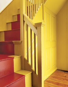 1784 Peletiah Foster House renovation from Country Living Magazine Yellow Stairs, Foster House, Staircase Runner, Country Living Magazine, Red Cottage, Colonial Architecture, Vintage Interiors, Mellow Yellow, Stairways
