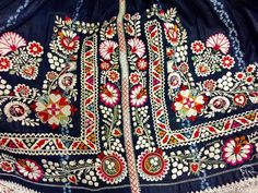 Embroidery Applique, Embroidery Stitches, Embroidery Designs, Folk Costume, Costumes, Folk Clothing, Tribal Dress, Festival Wear, Needle And Thread