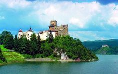 Dunajec Castle in Niedzica - Poland's Official Travel Website Visit Poland, Eurotrip, Homeland, River, Explore, Mansions, Park, Country, House Styles