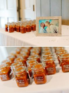 Darling 'hot sauce' wedding favors made by the groom himself!! Image: Catherine Ann Photography