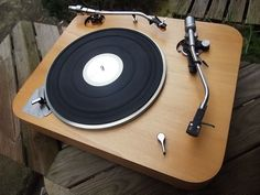 Awesome Lenco L75 turntable.